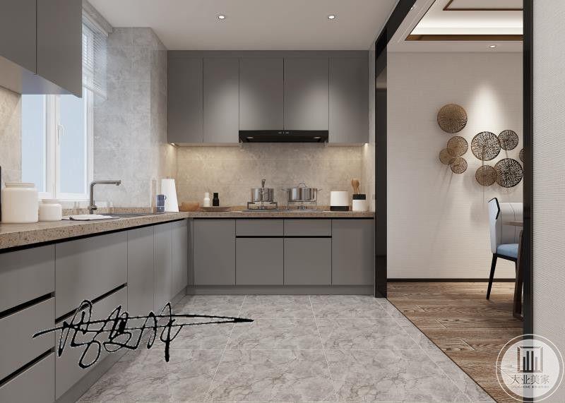 充满时尚现代感的厨房,与新中式元素色彩的餐厅完美衔接
